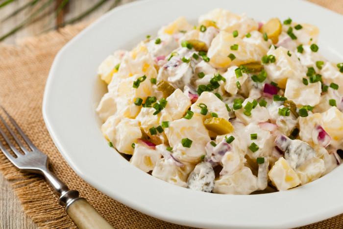 Картофельный салат. \ Фото: google.ru.