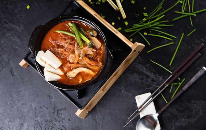 Пряный корейский суп. \ Фото: pinterest.com.