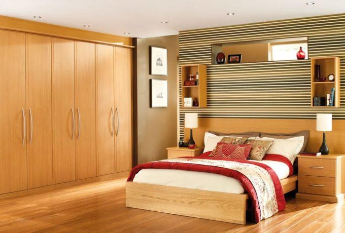 Мебель тёплых тонов и оттенков всегда будет актуально смотреться в спальне.