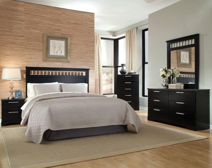 Тёмная мебель для спальной комнаты.