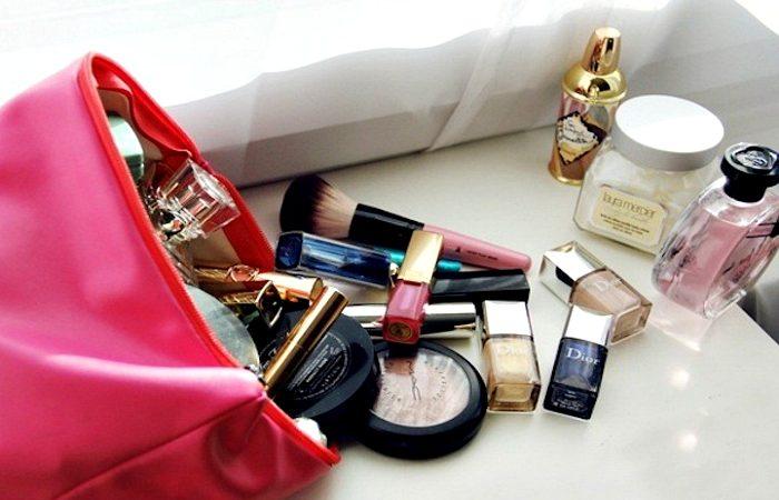 А что у вас в косметичке? \ Фото: znatprovse.ru.