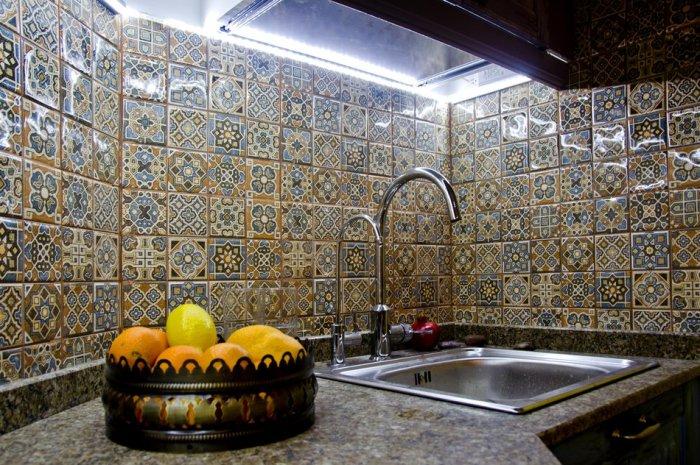 Восточно-арабский стиль.