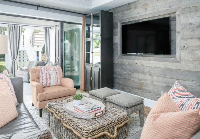 Серая матовая стена под дерево - идеальное решение для дизайн гостиной.