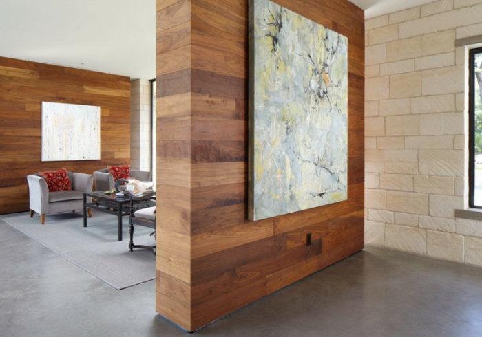 Центральная стена и стена-перегородка выполненные в единой цветовой палитре и стиле.