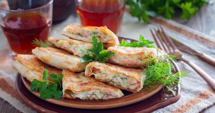 Лаваш с колбасой и сыром. \ Фото: mgorod.kz.
