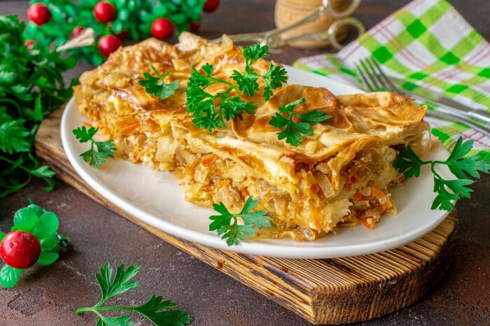 Пирог с капустой из лаваша. \ Фото: delo-vcusa.ru.