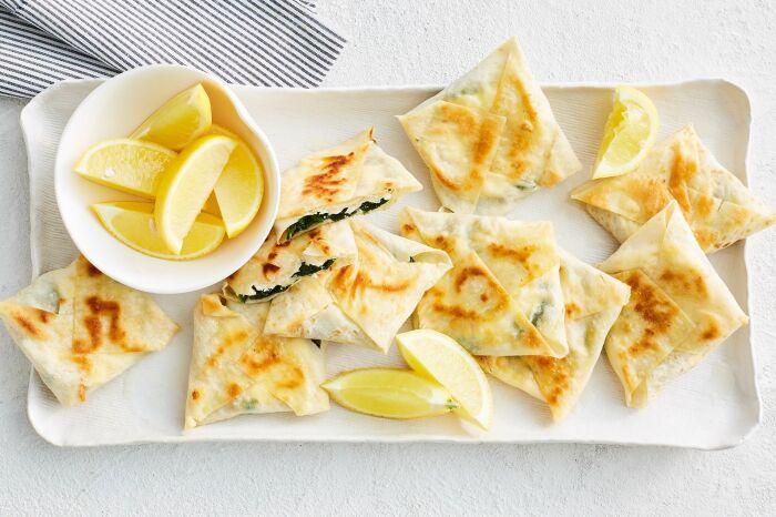 Яблочные пирожки из лаваша. \ Фото: pinterest.fr.