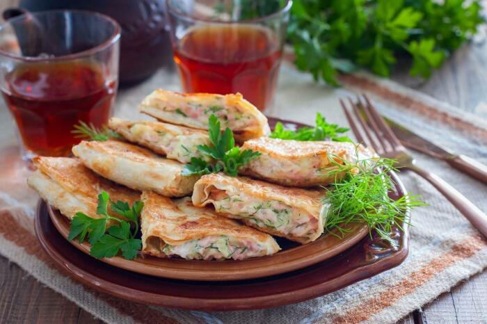 Лепёшки с колбасой и сыром. \ Фото: cookpad.com.