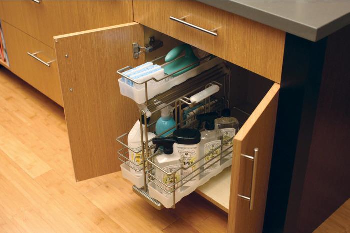 Отличное решение – выделить место для моющих практически над полом.