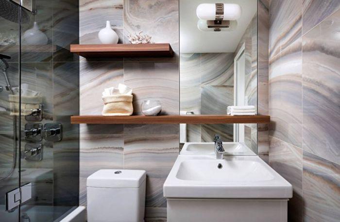 Меланж идеально подойдёт для небольшой ванной комнаты, скрывая некоторые недостатки и визуально увеличивая пространство.