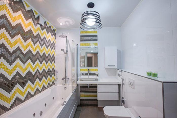 Разноцветная мозаика - ещё один оригинальный вариант для отделки стен ванной комнаты.