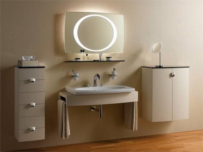 Оригинальные светильники для ванной комнаты.