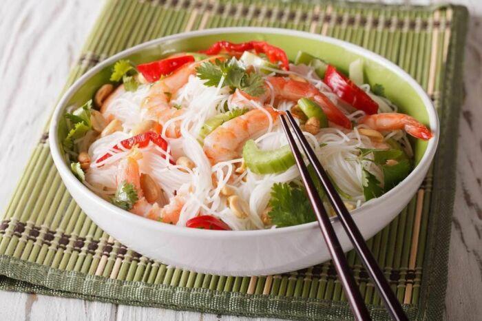 Вкуснейшая лапша с морепродуктами. \ Фото: twinpalmshotelsresorts.com.