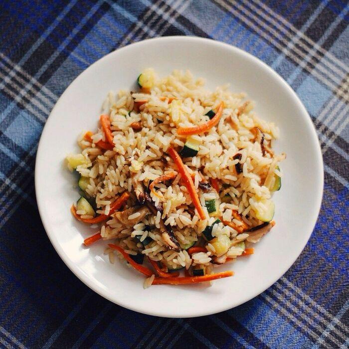Рис с овощами. \ Фото: pinterest.jp.
