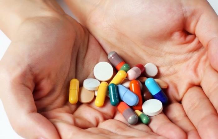 Не стоит налегать на иммуномодуляторы и различные витамины. \ Фото: billionnews.ru.