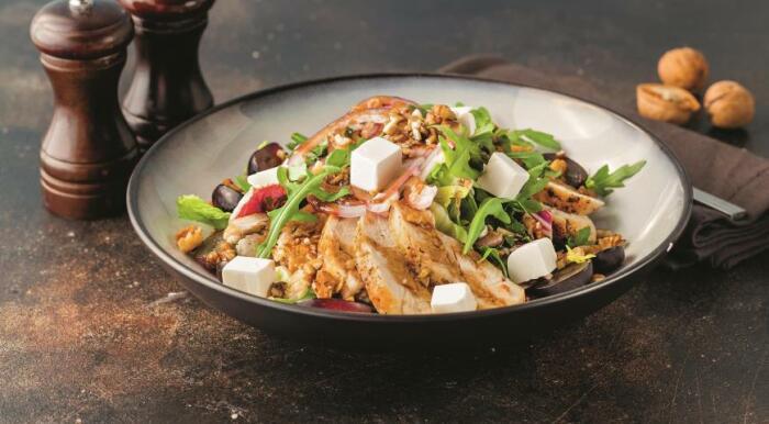 Лёгкий салат с пикантной заправкой.\ Фото: google.com.ua.