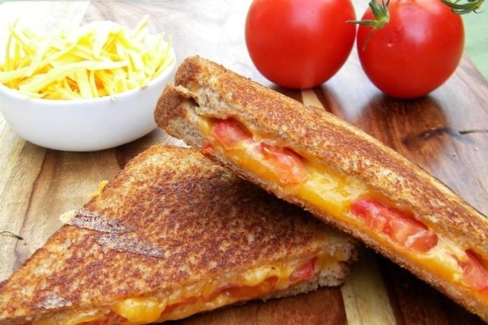 Вкусный, хрустящий сэндвич. \ Фото: bigmir.net.