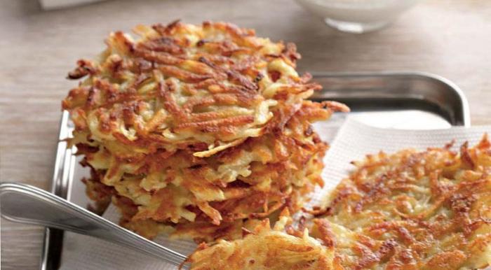 Драники из картофеля. \ Фото: gastronom.ru.
