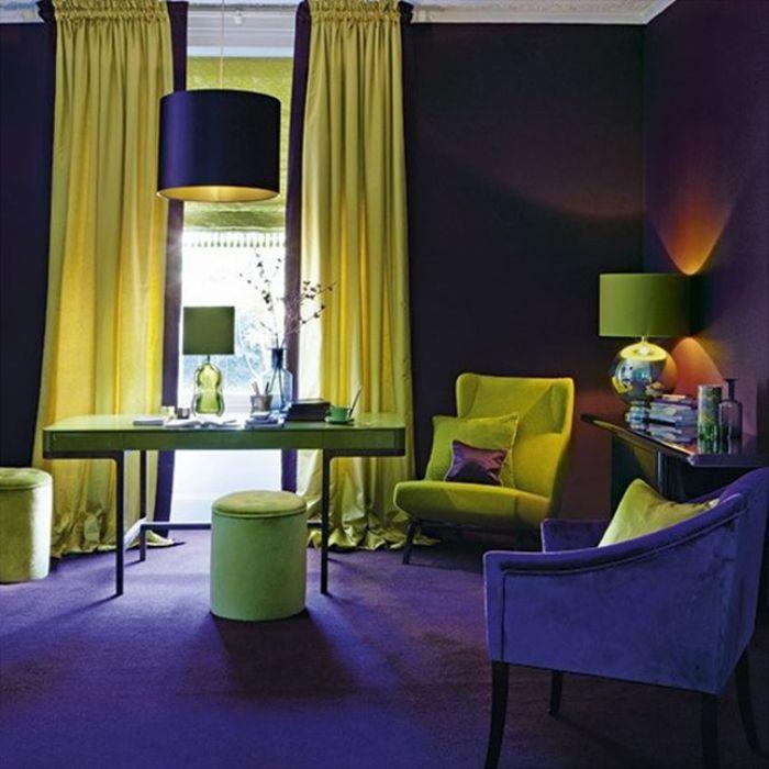 Нефритовые элементы декора в интерьере гостиной.