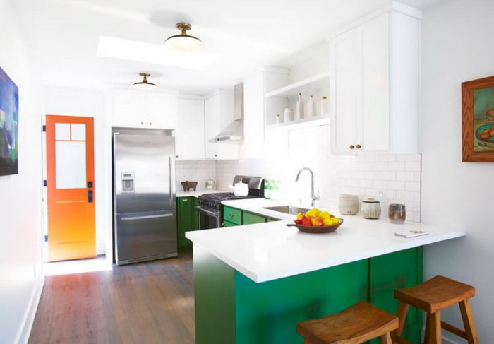 Элементы нефритового цвета в интерьере кухни.