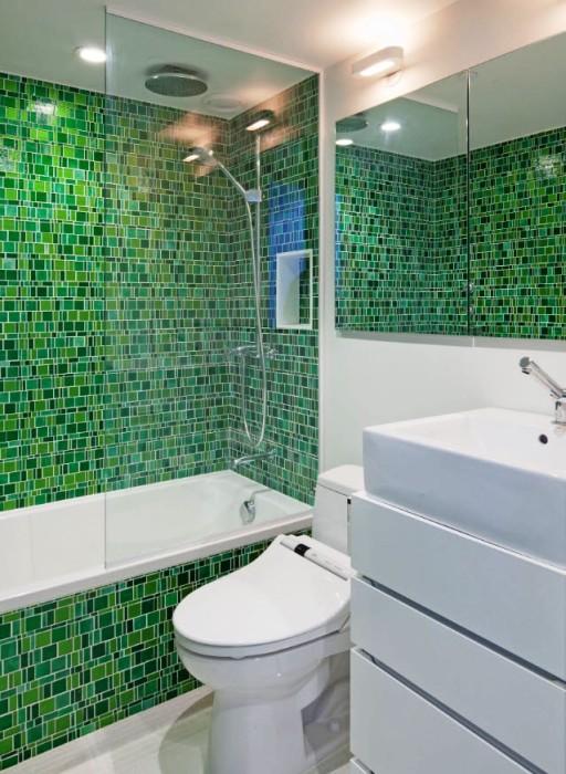 Нефритовый цвет в интерьере ванной.