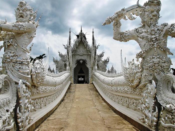 Храм символизирует чистоту Будды и считается одной из жемчужин Таиланда.