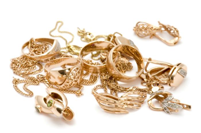 Украшения из золота. \ Фото: jewelrecycle.com.