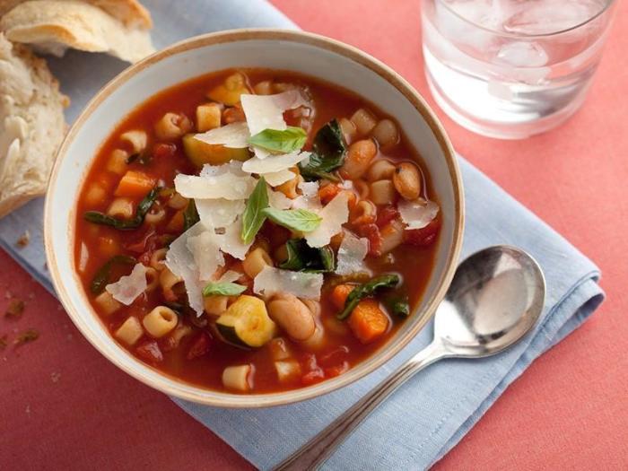 Итальянский суп. \ Фото: 1000.menu.