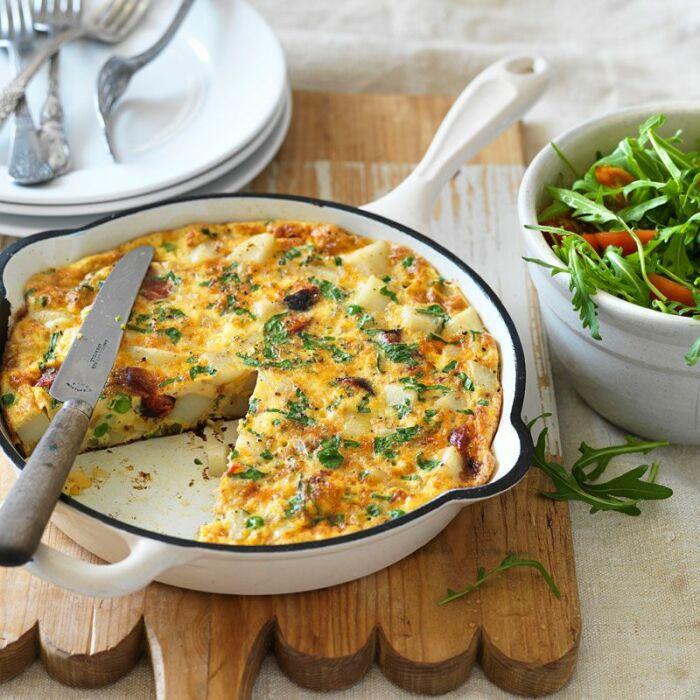 Омлет с картошкой. \ Фото: withlovefromlou.co.uk.