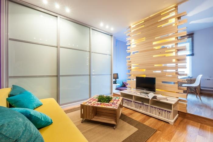 Современные идеи по обустройству однокомнатной квартиры-студии.