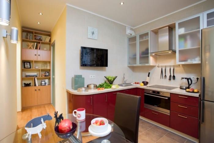Соединить кухню с комнатой - отличная идея для расширения пространства.