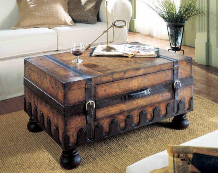 Столик из чемодана. \ Фото: pinterest.ru.