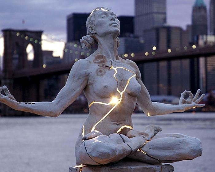 Экспансия - памятник свободе духа.