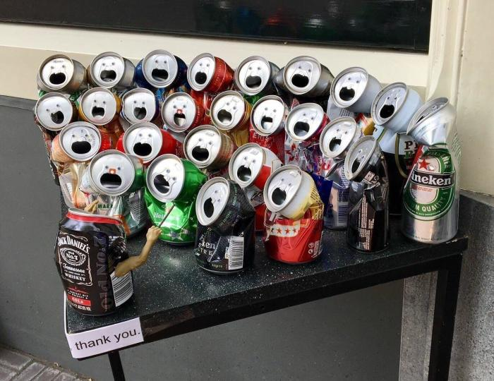 Мне одной эти банки напоминают школьный хор? \ Фото: blog.stanis.ru.