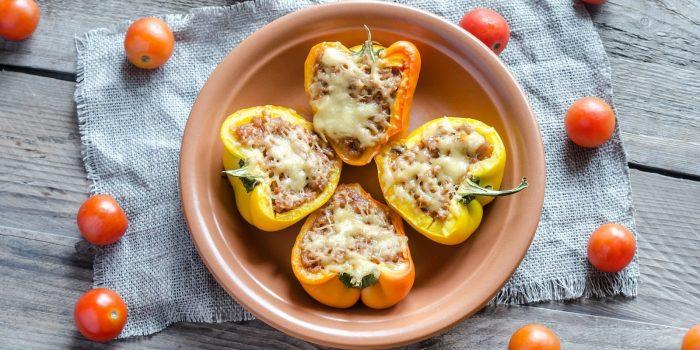 Пикантный перец с креветками и сыром. \ Фото: vannadecor.ru.