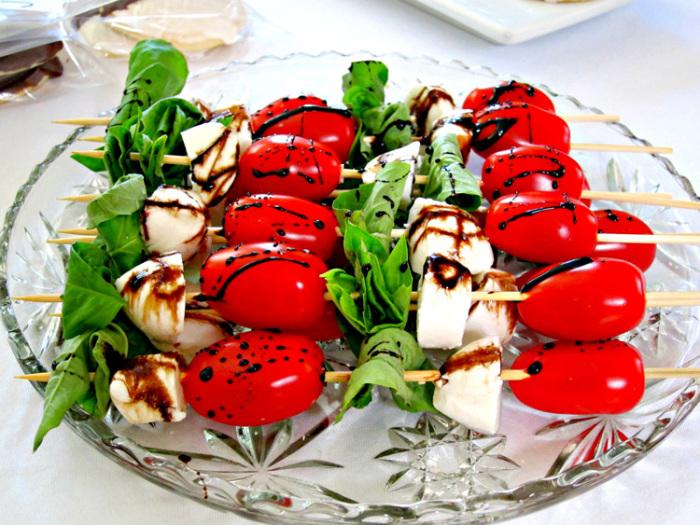 Простая и вкусная закуска для пикника. \ Фото: volshebnaya-eda.ru.