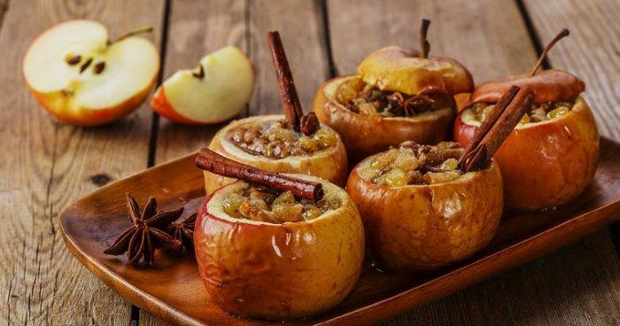 Яблоки с сахаром и корицей. \ Фото: sunduchok.pw.