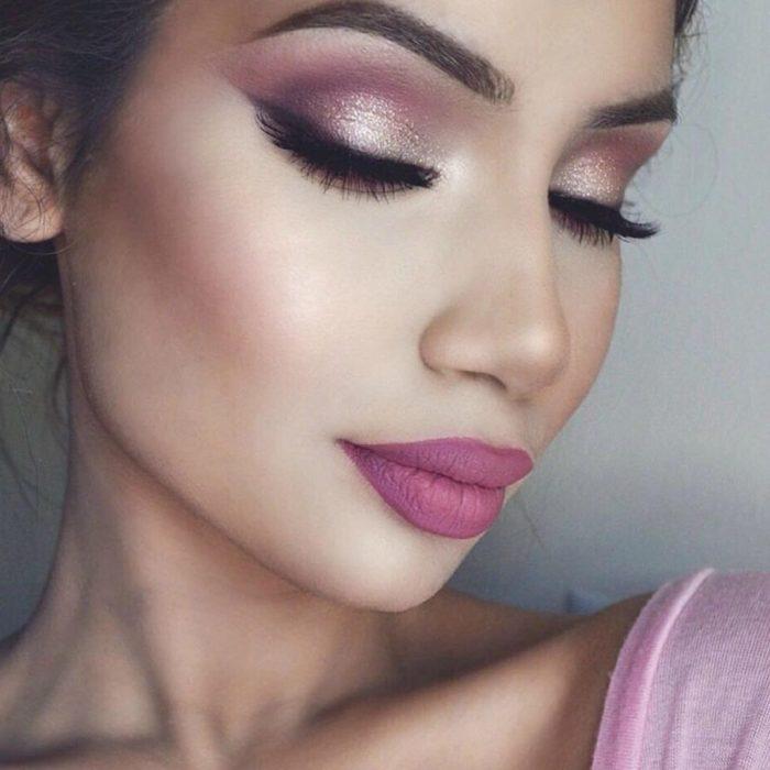 Макияж глаз в розовом цвете. \ Фото: womans.ws.