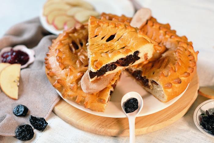 А вам нравятся пироги с черносливом? \ Фото: academfood.ru.