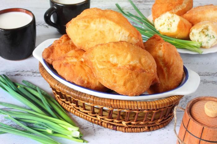 Жареные пирожки для всей семьи. \ Фото: 1000.menu.