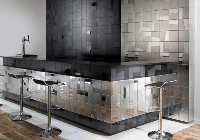Любителям металлического блеска также придётся по душе этот вид плитки.