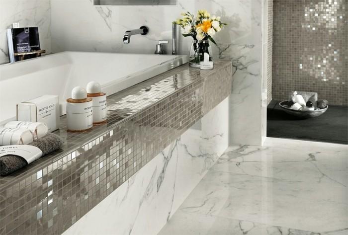 Мраморная плитка - идеальный вариант для современных кухонь.