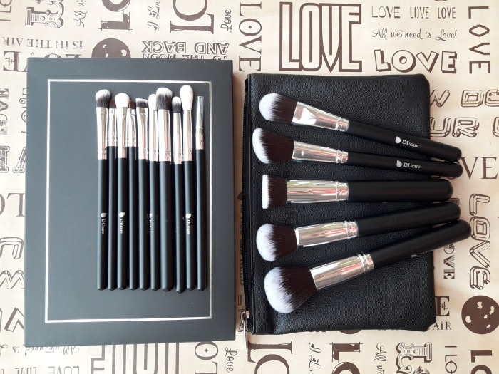 Набор кистей для макияжа. \ Фото: google.com.