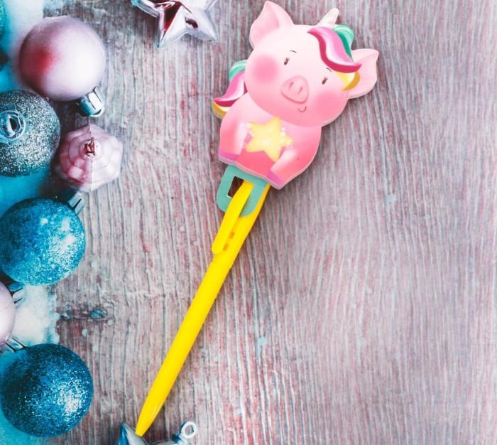 Забавная шариковая ручка с блокнотом-свинкой.