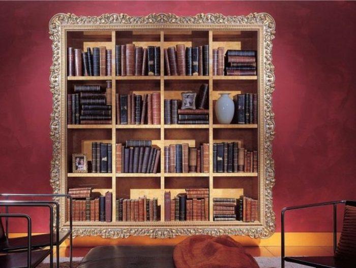 Барокко. Такой интерьер предполагает большое количество декоративных элементов, поэтому полки обязательно украшаются изящными узорами, резными деталями или лепниной.
