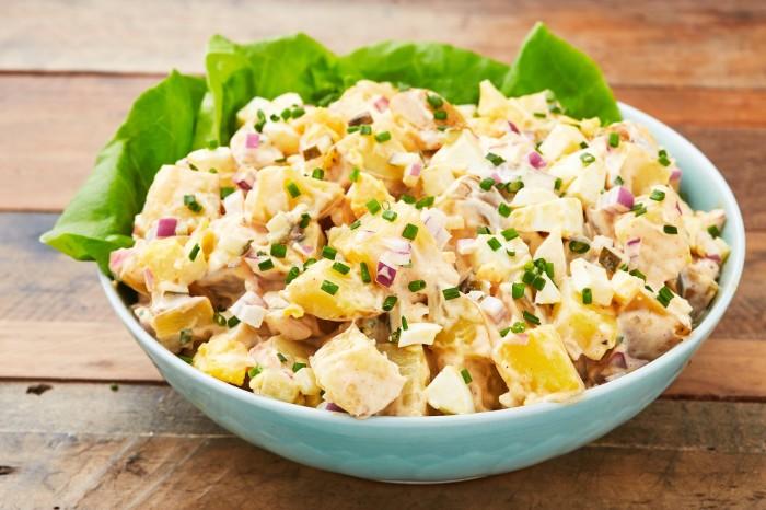 Картофель в сливочном соусе. \ Фото: delish.com.