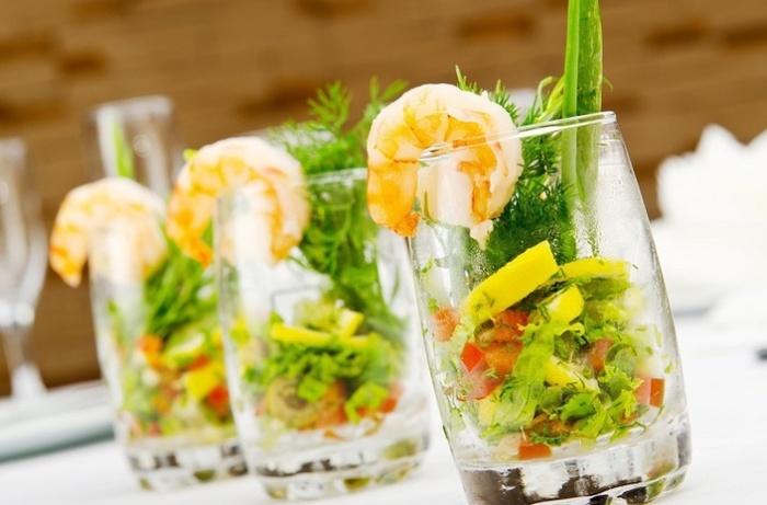 Вкусные и  оригинальные салаты, которые станут достойной заменой оливье и селёдке под «шубой».