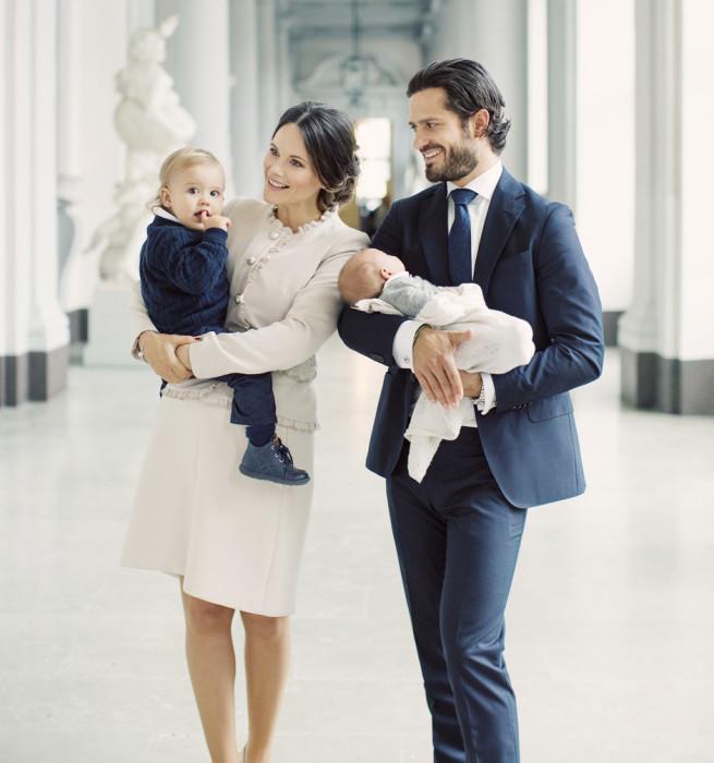 Принц Швеции Карл Филипп и принцесса София с детьми. \ Фото: elle.ru.