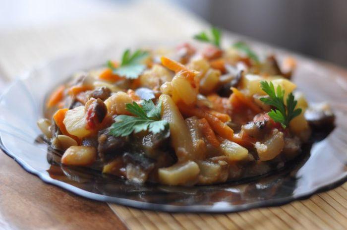 Восхитительное овощное рагу. \ Фото: yandex.kz.
