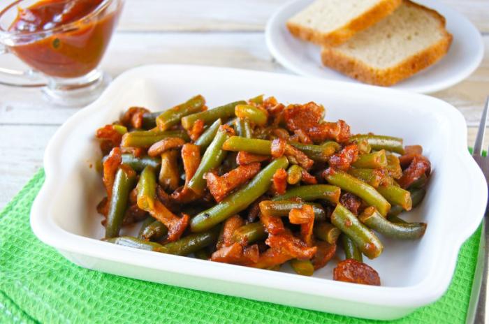Жареное овощное рагу. \ Фото: yandex.by.